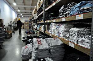 shelves of shirts at MerchNow-thumb-525x348-10106
