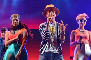 coachella_2014_day2_pharrell_19