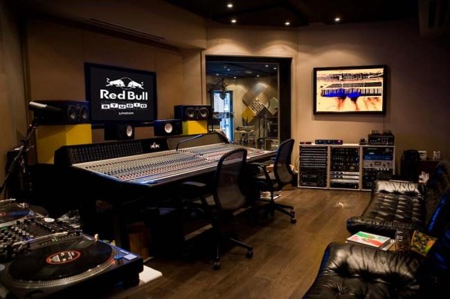 RBUK_Studio-2
